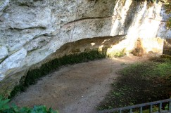 Site of first discovery of Cro-Magnon Man