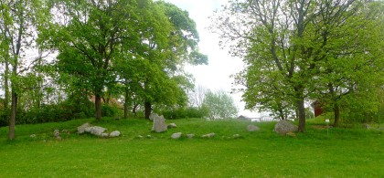Burial mound with both U #970 & 969