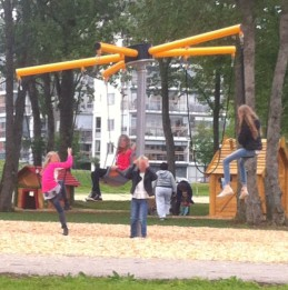 Oooh! Wish there'd been playgrounds with these when I was a kid!