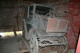 Neat Old Carriage
