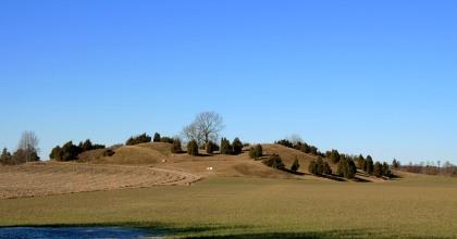 Vallsgärde Grave Mounds/Field