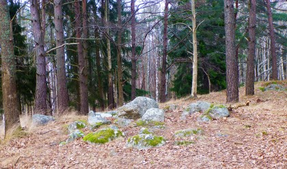 Cairn at Hallunda Burial Ground.