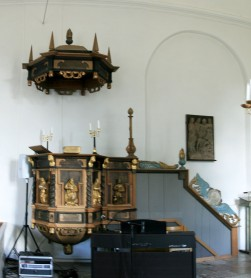 Pulpit from 1674 in Åkerby Church