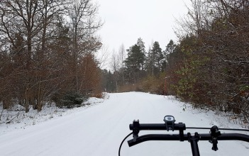 Snowy country roads. Gotta love 'em!